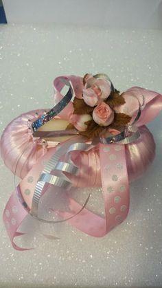 jabón con cintas y flores: