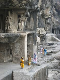 Ellora Caves is a UNESCO World Heritage Site located in the Aurangabad district of Maharashtra, India. Indian Temple Architecture, Ancient Architecture, Architecture Design, Ancient Mysteries, Ancient Ruins, Lakshmi Statue, Ajanta Ellora, Places To Travel, Places To Visit