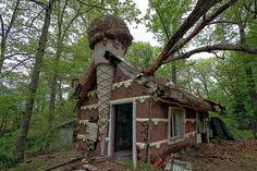 PsBattle: Abandoned Gingerbread House