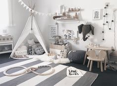 Louis' Nursery with Rafa L shelf