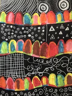 Nous avons observé le tableau de Maryline Collioud-Robert : Nous avons tracé une ligne courbe d'un bord à l'autre d'une affiche en papier Canson blanc, dans le sens de la largeur. Nous avons tracé des ponts enchainés sur cette ligne puis nous avons dessiné...