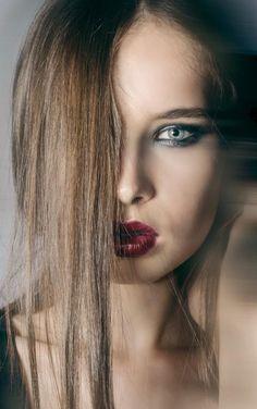 Photography: Marta Popescu  Make-up: Diana Ionescu  Model: Cristiana  Making of photo here