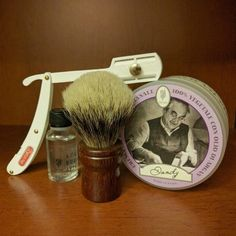 Shave of the day whit Essentia!   Shaving brush - Essentia Mahogany Cuban  Soap - Don Donato Shavette - Daune  Aftershave - oil eucalipto  #essentiabrushes #Essentia #mogano #mahogany #silvertipbadger #silvertip #dondonato #soap #shavingbrush #shavette #aftershave #shaveoftheday #sotd #rasatura #rasaturatradizionale #shavelikeyourgrandpa #italianbarber #oldjob #barbershop #barberstyle #barber #eucalipto #eucaliptus #traditionalshaving #wetshaving #wetshave #nationalbarbersassociation…