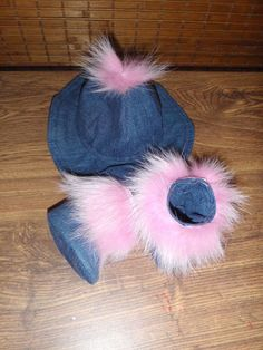 Denim Hat and boots with pink fox fur
