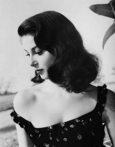Pier Angeli 1950s    (Source: hoodoothatvoodoo) - Boyfriend: James Dean (were to be married, Pier's mother stopped this);  Boyfriend: Kirk Douglas (engaged in 1950s, according to Douglas' autobiography);  Husband: Vic Damone (m. 1954, div. 1958, one son)  Son: Perry Farinola;  Husband: Armando Trovajoli (m. 1962, div. 1969)