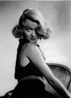 Born 1904 in New York City, American actress Constance Bennett was a major Hollywood star during the and She often played socie. Vintage Hollywood, Old Hollywood Stars, Old Hollywood Movies, Golden Age Of Hollywood, Hollywood Glamour, Hollywood Actresses, Classic Hollywood, Hollywood Girls, Classic Actresses