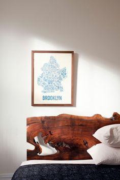 Wood slab headboard | Image by Chris Sanders via Design Sponge.  Decor Idea at My Paradissi