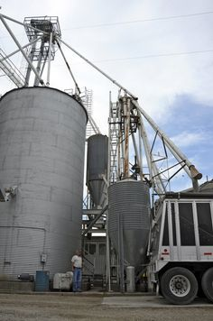 Missouri farmers harvest early due to drought