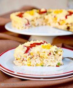O salata de pui cu ananas, cu tente orientale, este foarte gustoasa si potrivita pentru orice masa festiva. Mai simplusi mai rapid decat de pregatit decat salata de boeuf, o sa va cucereasca si o veti repeta cu siguranta de cate ori veti avea de pregatit mai multe aperitive. Healthy Salad Recipes, Paleo Recipes, Cooking Recipes, Crab Stuffed Avocado, Cottage Cheese Salad, Salad Design, Salad Dishes, Romanian Food, Easy Salads
