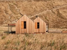 casa de madeira integrada a natureza