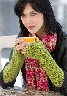 Free knitting pattern - Lettuce Knit Armwarmers by Grace Alexander in Stitch Nation Full O' Sheep (discontinued)