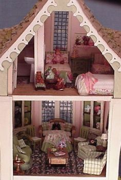 1/48th scale dollhouse by Suzanne