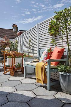 Garden Design Advice - Planning Tips For Your Outdoor Space - Outdoor Garden Rooms, Garden Spaces, Outdoor Decor, Garden Solutions, Garden Makeover, Love Home, Small Gardens, Garden Furniture, Beautiful Gardens