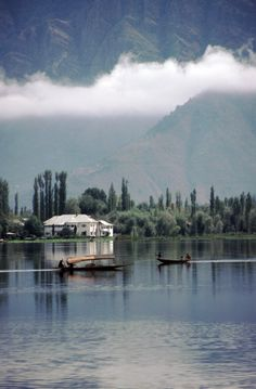 Srinagar, Jammu & KashmirThis capital city of Jammu & Kashmir is a paradise in every sense of the word. The lush valleys, sparkling lakes, high mountains and picturesque scenery make it a perfect honeymoon destination that you will remember all your life. Srinagar, Top 10 Honeymoon Destinations, Travel Destinations, Places Around The World, Around The Worlds, Beautiful World, Beautiful Places, Places To Travel, Places To Visit
