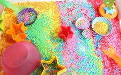 arroz colores Baby Center, Sprinkles, Crafts For Kids, Candy, Ideas Para, Montessori, Blog, Science, Kid Art