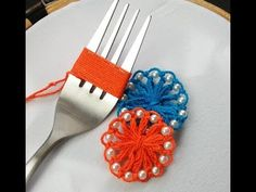 Most recent Free sewing hacks fork Concepts Hand Embroidery Amazing trick Hack With Fork Embroidery With Fork Hack - Y Hand Embroidery Flowers, Hand Embroidery Stitches, Ribbon Embroidery, Embroidery Ideas, Sewing Projects For Beginners, Sewing Tutorials, Sewing Hacks, Sewing Tips, Yarn Flowers
