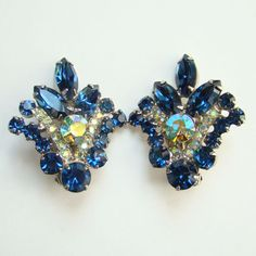 Juliana Sapphire Blue Aurora Borealis Large Rhinestone Clip Earrings DeLizza Elster D&E Verified by redroselady on Etsy