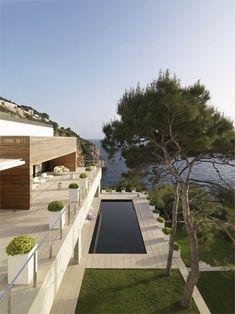 Vivienda en Almuñecar, Almuñecar, Granada, 2010 http://bit.ly/zBJa4j #archilovers #architecture #swimmingpool