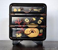 Antigüedades: JOYERO LACADO * PEQUEÑO MUEBLE CON TRES CAJONES EN MADERA LACADA ESTILO ORIENTAL - Foto 2 - 57890980