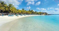 Türkisblaues Wasser in der Bucht vor dem Royal Palm Mauritius