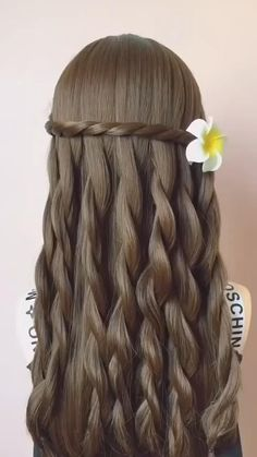 Such a pretty hairstyle!🤩🤩🤩💘💘💘 Front Hair Styles, Medium Hair Styles, Curly Hair Styles, Bun Hairstyles For Long Hair, Braids For Long Hair, Blonde Hairstyles, Hairstyles Videos, Braided Hairstyles Tutorials, Hair Style Vedio
