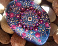 Mandala rock geschilderde rotsen geschilderde door KarinGetazArt