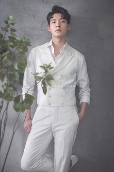 Korean Photoshoot, Photoshoot Themes, Men Photoshoot, Pre Wedding Photoshoot, Korean Wedding Photography, Man Photography, Asian Men Fashion, Ulzzang, Cute Asian Guys