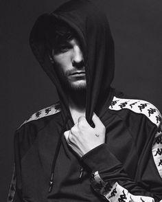 Louis Tomlinson (@louist91) op Instagram: Coming soon @highsnobiety @atipw @alexdemora @kappa_kontroll