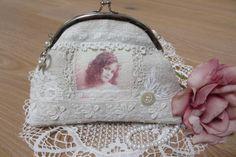 Täschchen Schminktäschchen Toilettetäschen Leinen Spitze | Etsy Linen Bag, Coin Purse, Shabby Chic, Vintage, Purses, Wallet, Lace, Fashion, Antique Lace
