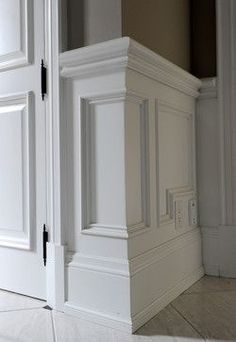 3 Super Genius Unique Ideas: Wainscoting Bedroom House wainscoting corners home.Gray Wainscoting Plank Walls painted wainscoting tips. Picture Frame Wainscoting, Wainscoting Height, Painted Wainscoting, Dining Room Wainscoting, Wainscoting Panels, Wainscoting Ideas, Black Wainscoting, Wainscoting Nursery, Oak Wood Trim