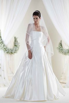 Browse Beautiful Si Holford Wedding Dresses And Find The Perfect Gown To Suit Your Bridal Style