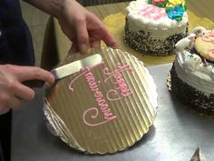 How to Write on Cakes Tutorial - Woodland Bakery