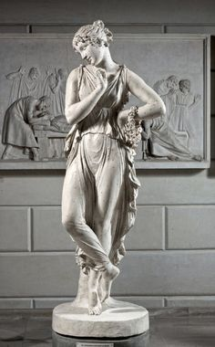 Canova's statues on the theme of dance were made between 1806 and 1811 and immediately became popular. Ancient Greek Sculpture, Ancient Greek Art, Greek Statues, Renaissance Kunst, Greek Mythology Art, Figurative Kunst, Tanjore Painting, Religious Art, New Art