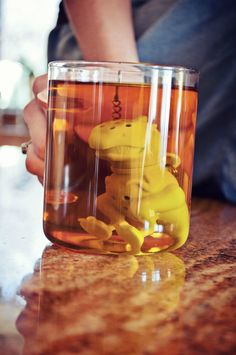 Deep-tea diving dinosaur (a tea steeper)
