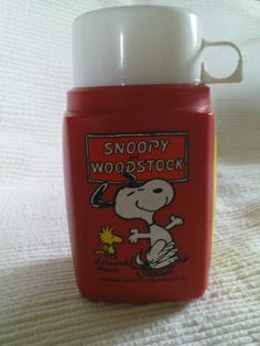 Snoopy thermos flask - I have a picture of a blue one too, but mine was Red.. :-)