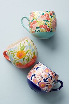 Ceramics inspiration: Anthropologie Painted Poppies Mug Stoneware Mugs, Ceramic Mugs, Ceramic Pottery, Ceramic Art, Painted Pottery, Pretty Mugs, Cute Mugs, Keramik Design, Ceramic Painting