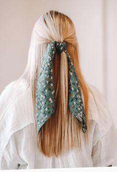 Bandana Scarf - Teal Floral — James + Alma Clothing - A & C Glamour Salon - Hair Styles Headband Hairstyles, Pretty Hairstyles, Braided Hairstyles, Hairstyle Ideas, Party Hairstyle, Bangs Hairstyle, Simple Hairstyles, Hairstyles With A Bandana, Cute Blonde Hairstyles