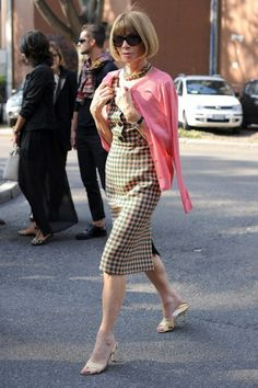 The 25 Best Street Style Snaps From Milan Fashion Week: Yeah Anna, you work that pink cardigan.  Photo:Getty