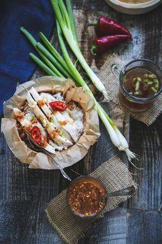 Kao Mun Kai (ข้าวมันไก่) aka Hainanese Chicken Rice with Spicy Tofu Sauce | Circa Happy