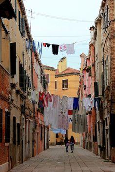 Venice Streets   - Meghan Guilfoyle by APIstudyabroad, via Flickr