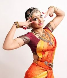 One of the Mudras by a Bharatanatyam-Dancer Indian Film Actress, Indian Actresses, Actors & Actresses, Indian Culture And Tradition, Indian Classical Dance, Classical Art, Ballet Painting, Mudras, Indian People