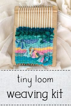 Tiny Loom Kit- Cactus Candy This little loom can fit right into your bag, so you'll be able to weave any time, any place. Come see what comes in the kit! Weaving Tools, Weaving Projects, Loom Weaving, Hand Weaving, Knitting Blogs, Loom Knitting, Yarn Bag, Fibre And Fabric, Hello Kitty Wallpaper