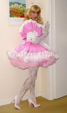 Search Twitter - sissy maids