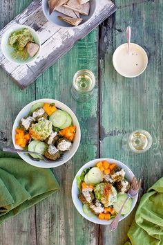 Roasted Poblano Kale Falafel Salad Bowl with Tahini Jalapeno Vinaigrette - CaliZona Eating Healthy, Healthy Food, Spicy Recipes, Healthy Recipes, Falafel Salad, Ham Salad, Finding Vegan, What's Cooking, Salad Bowls