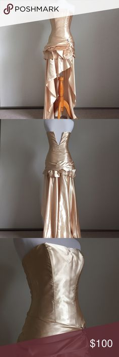 Jessica McClintock Golden Champagne Prom Dress Enjoy your special night with this beautiful original Jessica McClintock dress. 💛 Perfect for proms, quinceañeras, or any special events. Back picture shows dress half zipped to accommodate mannequin, zipper is fully functional without any defects. Worn only once. Comes from a loving, smoke-free home. No rips or holes. One small, unnoticeable stain on front right of dress as pictured above. Jessica McClintock Dresses Prom