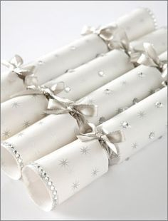 How to make party crackers for christmas and new years crackers make your own christmas crackers tutorial attached includes diy tips includes the snap when crackers crack solutioingenieria Image collections