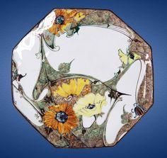 Nr.: 224, Te koop aangeboden sieraardewerk van Rozenburg  Plateel Eierschaal bord, Diameter 20 cm , Jaar +/- 1900 , J.W. van Rossum