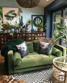 Botanical dark boho living room dreams with a forest green velvet couch! Love it… Botanical dark boho living room dreams with a forest green velvet couch! Related posts: Living room inspiration: pink couch and marbled wall Decor, Interior, Living Room Decor, Boho Living Room, Home Decor, Room Inspiration, House Interior, Interior Design, Home And Living