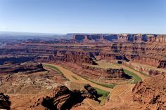 Dead Horse Point towers 2000 feet above the Colorado River and can be marvelled in the film 'Thelma and Louise'