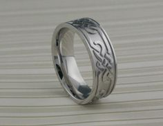 Lashbrook Celtic Knot Wedding Ring in Cobalt Chrome.
